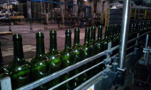 Bottle process Santa Rita vineyard Chile