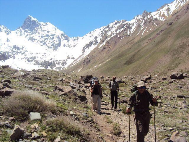 Trekking El Morado glacier
